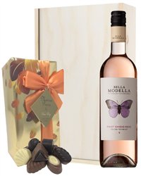 Pinot Grigio Rose Wine and Chocolat...